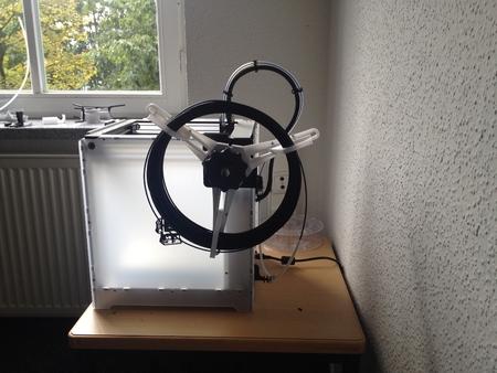 Ultimaker Monte de baja fricción en el soporte de bobina combinado con material de filamento de cola